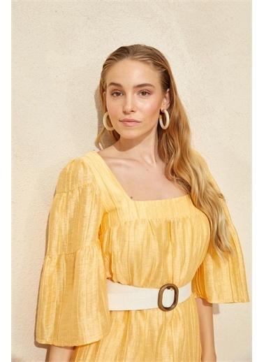 Setre Lila Kare Yaka Kemerli Elbise Sarı